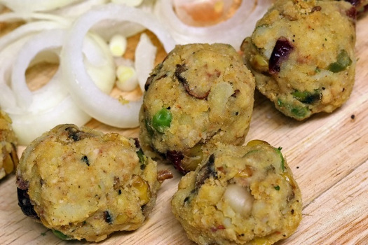 Buñuelos de verduras con aceitunas